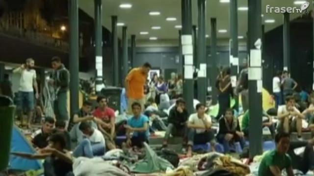 Emergenza immigrazione in Europa, ancora arrivi in Italia, Grecia e Ungheria.