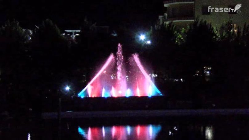 """Acqui Terme, una serata in piscina con le """" Fontane danzanti """""""