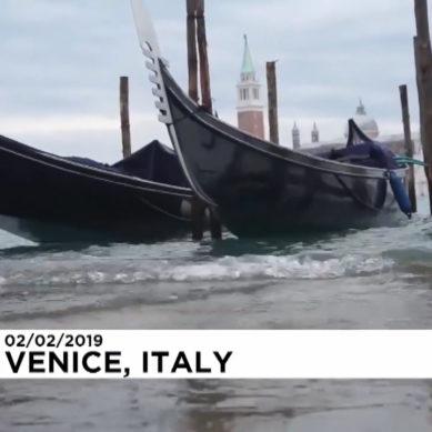 Italia flagellata dal maltempo, acqua alta a Venezia